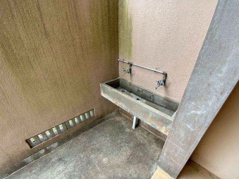 中瀬草原キャンプ場 西のトイレの手洗い場