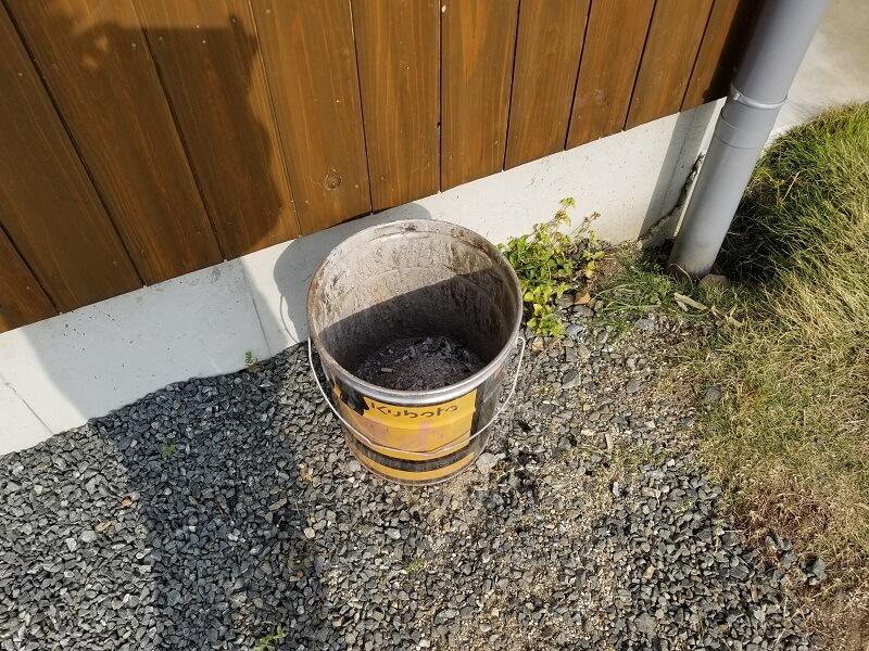 たまなフラワーパーク 灰捨て缶