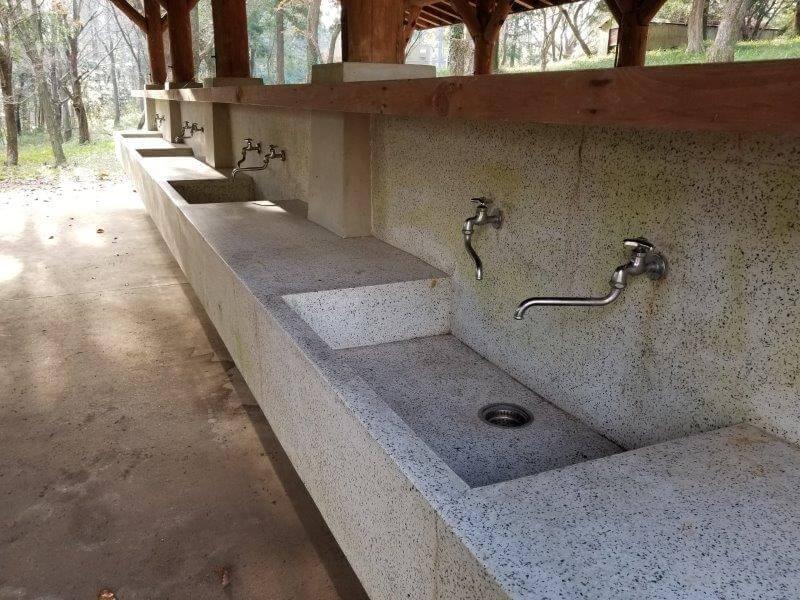 吉無田高原 緑の村 森のテントエリアにある炊事棟