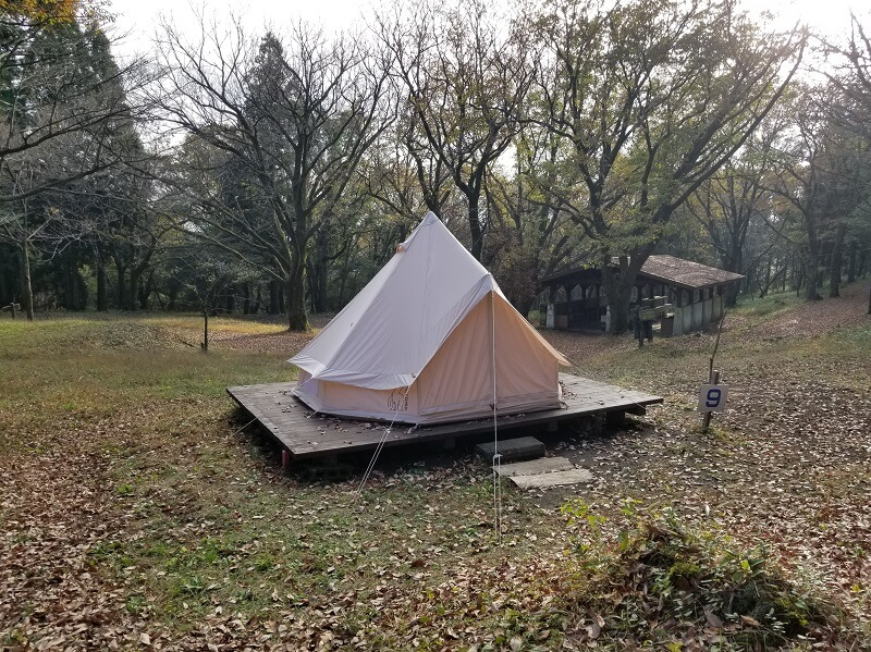 吉無田高原 緑の村キャンプ場 Cサイト:森のテントエリア 貸出テント