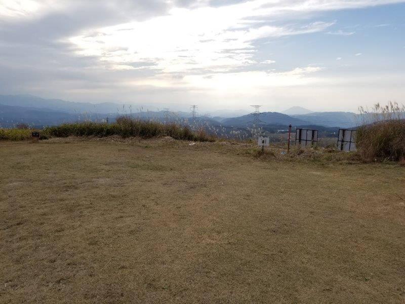 吉無田高原 緑の村キャンプ場 Aサイト:ゆうすげの丘エリア 8番サイト