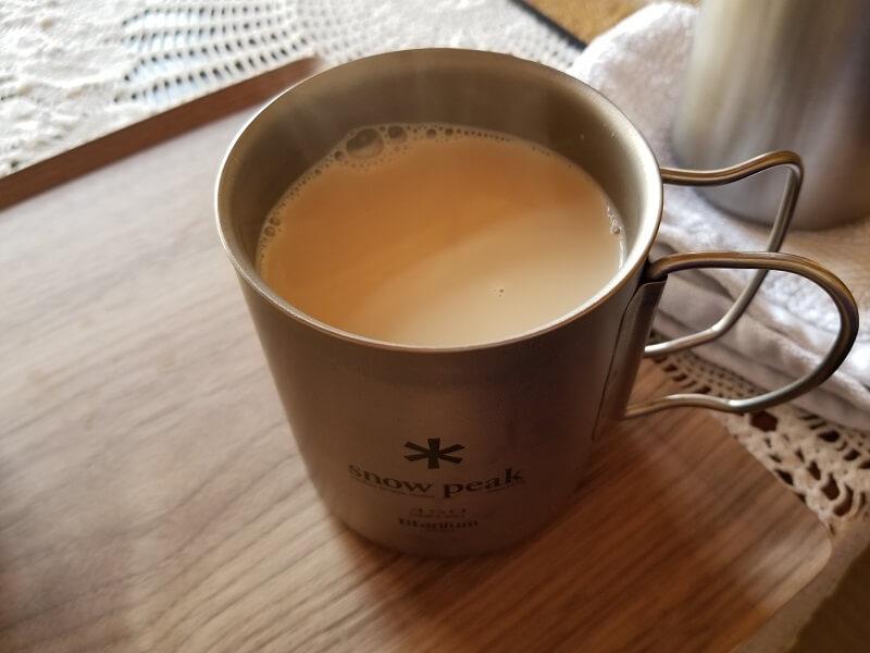 スノーピーク「チタンカフェプレス」で淹れた濃厚ミルクティ