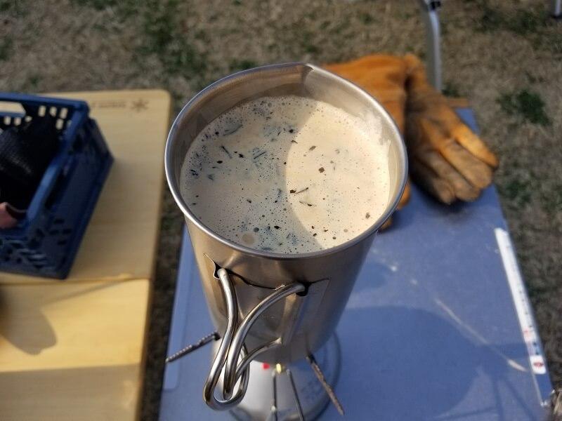 スノーピーク「チタンカフェプレス」で濃厚ミルクティを淹れる