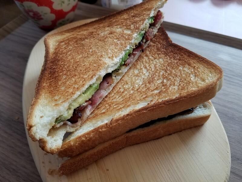 SOTO「トーストサンドパン」でつくったホットサンド