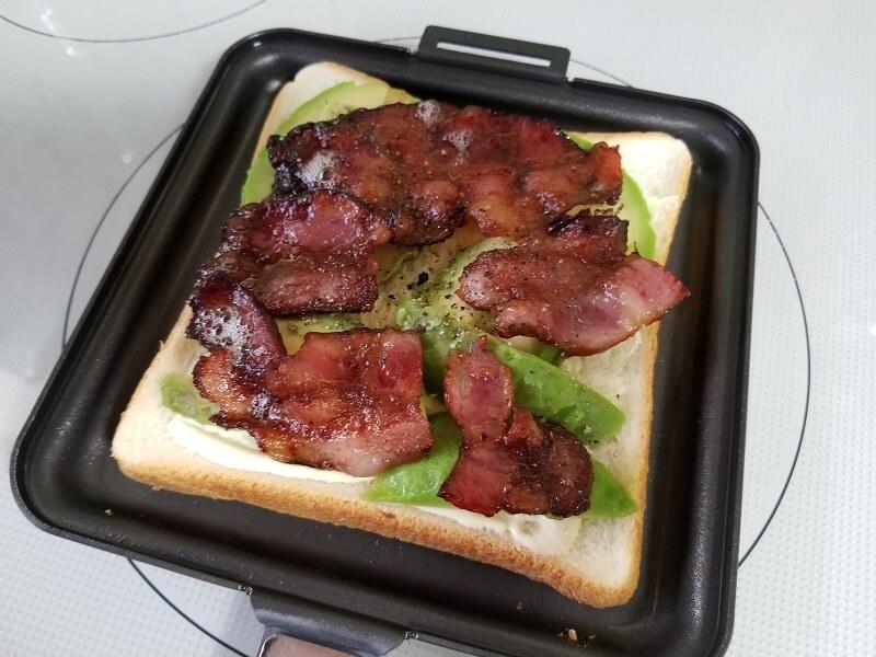 SOTO「トーストサンドパン」で焼くコツ(具材は平たく並べる)
