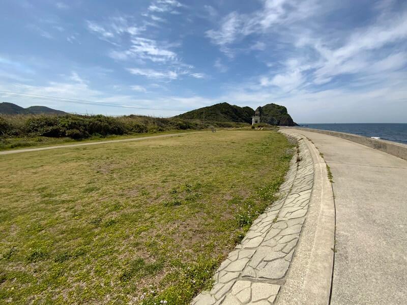 【糸島ピクニックビレッジオートキャンプ場】テントサイトからは芥屋の大門が見える