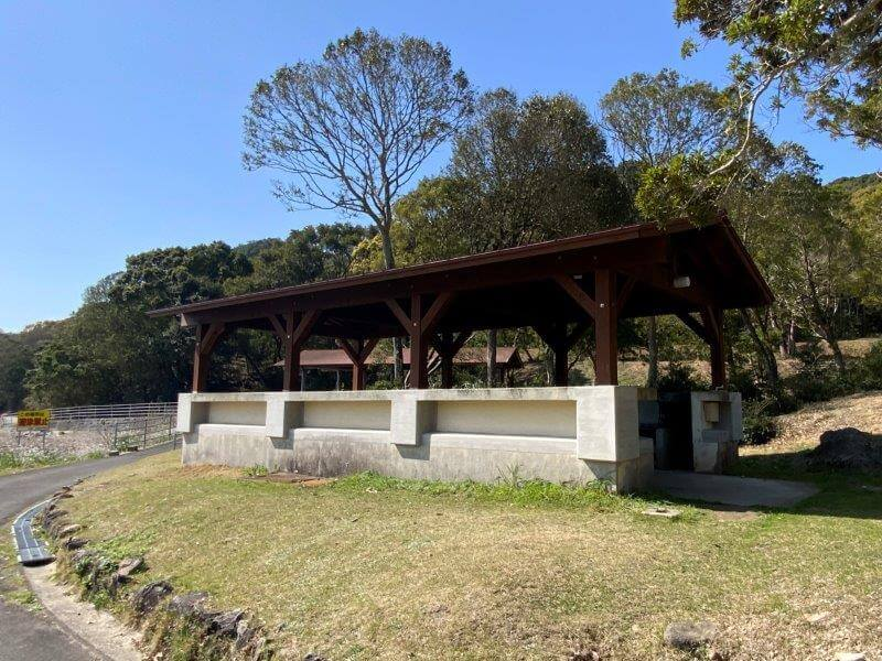 大崎自然公園キャンプ場 フリーサイトの炊事棟