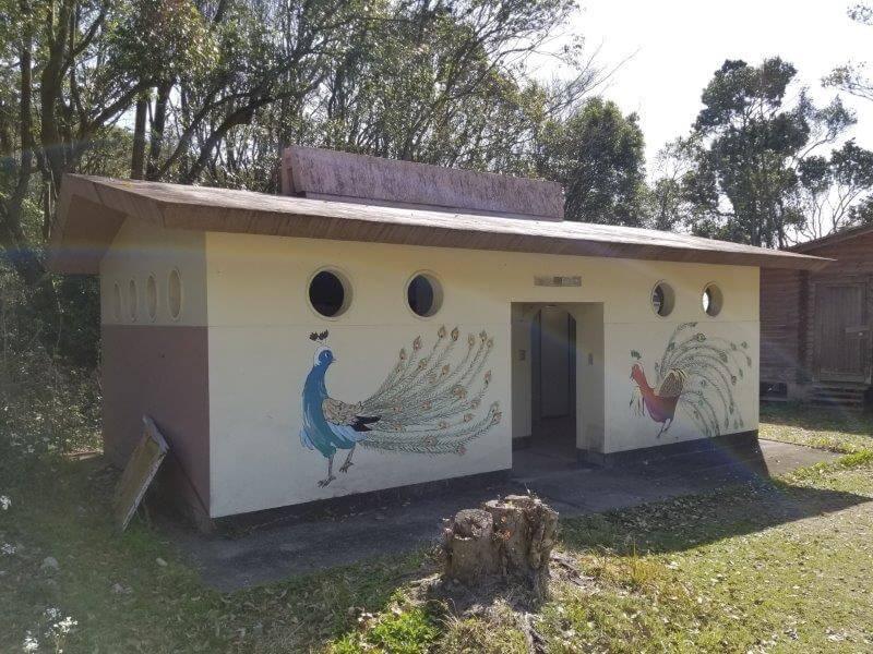大崎自然公園キャンプ場 フリーサイトにあるトイレ