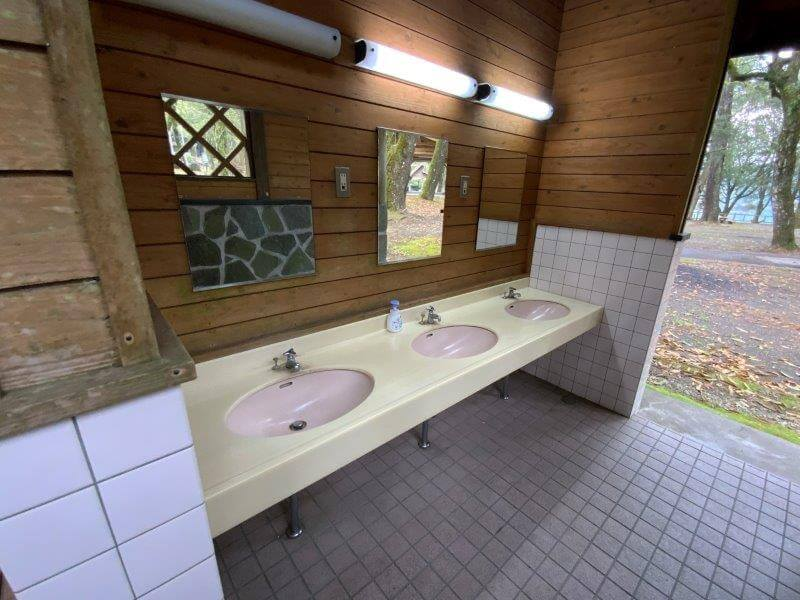【御池キャンプ村】東側にあるトイレの手洗い場
