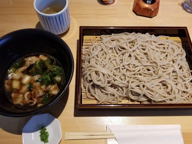 「そば処 一粒」数量限定の西海ポーク蕎麦(大盛り)