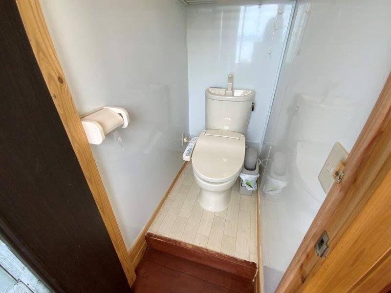 西海橋オートキャンプ場 第2・第3サイト近くのトイレ