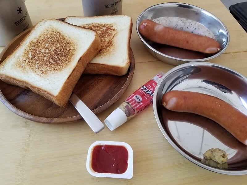 【ひなもりオートキャンプ場の旅行記】3日目の朝食はトーストとソーセージ