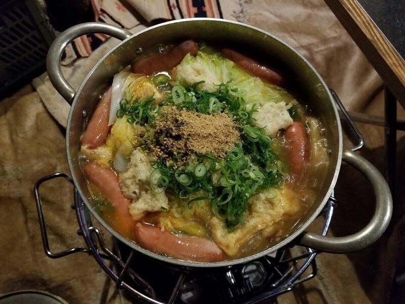 【ひなもりオートキャンプ場の旅行記】2日目の晩御飯はごま坦々鍋