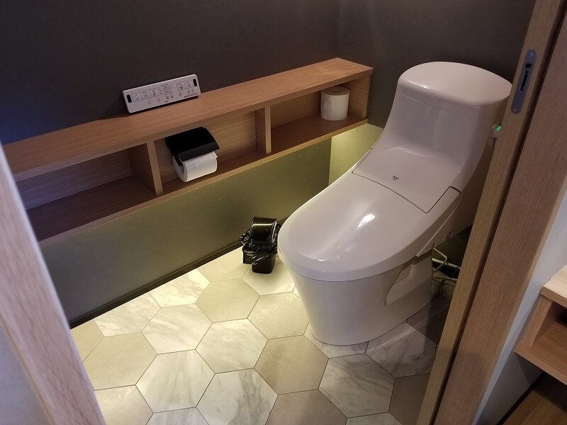 NORTH VALLEY(ノースバレー)キャンプサイト シャワールームにあるトイレ