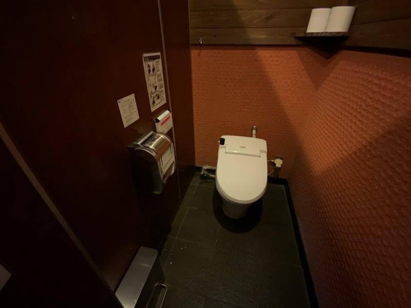 くじゅう花公園 オートキャンプ場 花公園入口近くにあるトイレ