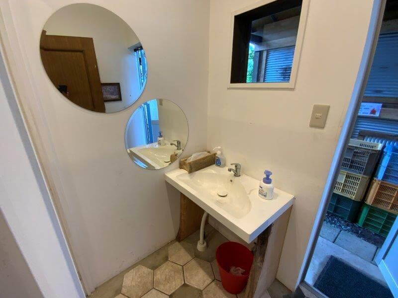 橘香園キャンプ場 トイレの手洗い場