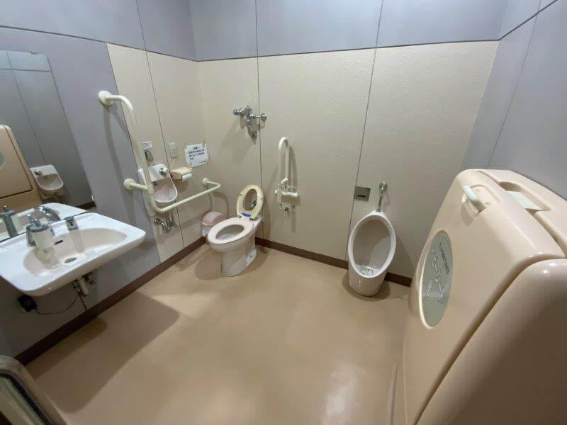 久留米ふれあい農業公園 管理棟内の多目的トイレ