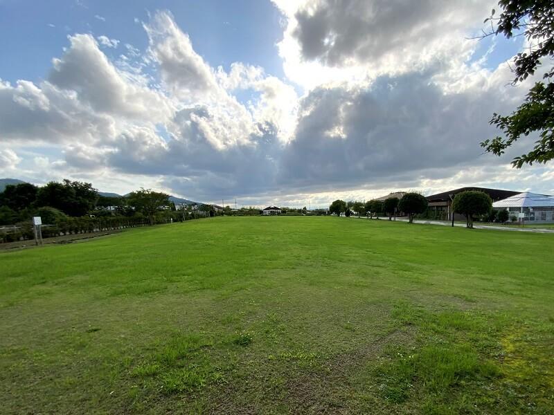 久留米ふれあい農業公園 ふれあい広場の一部がテントサイトとして利用可能